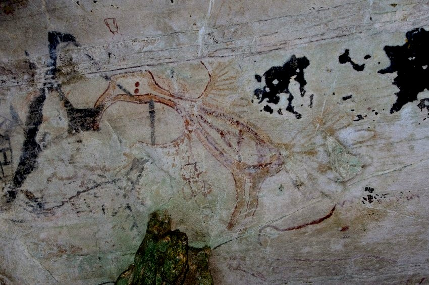 Cave paintings of Tham Phi Hua To, Krabi Province