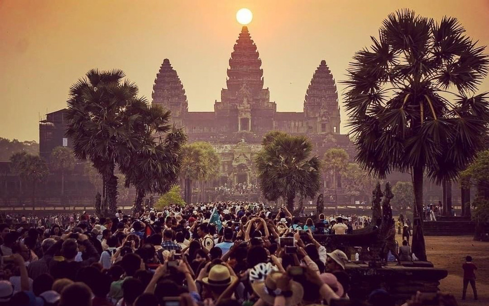 Equinox-at-Angkor-Wat