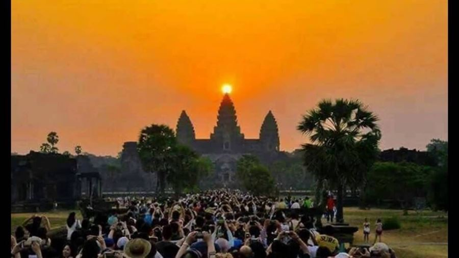 0005998_angkor-wat-sunrise-package-tours_900
